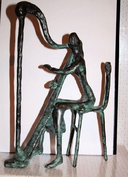 Harpiste op Stoel - Brons