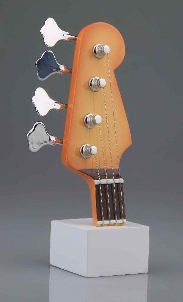 Bas Gitaar Kop 4D Model