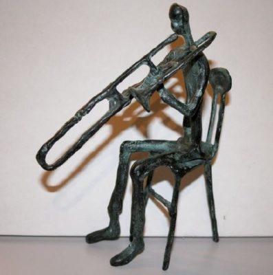 Trombonist op Stoel - Brons